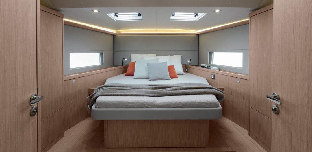Oceanis 55.1 cabin