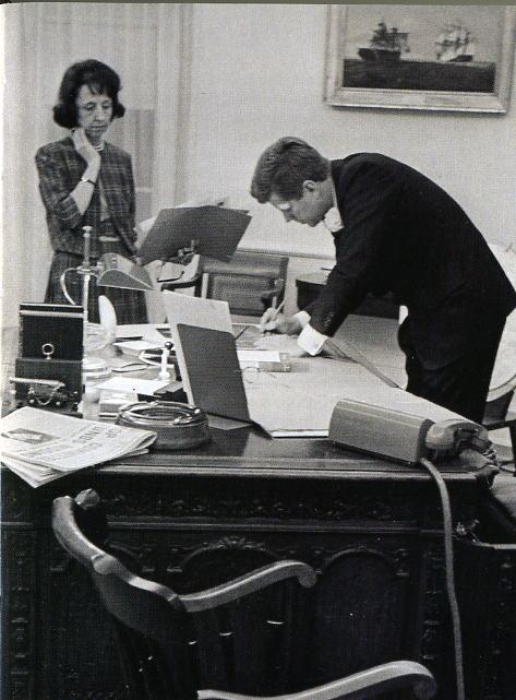 Reader Desk Tidy Mind