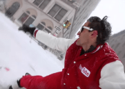 数日でYouTube1千万ビュー突破!大雪のニューヨークをスノボで滑る動画が話題に