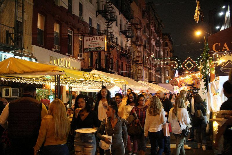リトルイタリーの人気ストリートフェスティバル「サン・ジェローナ祭」