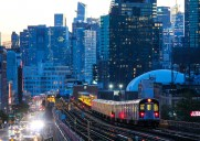 マンハッタンの街並みが美しく見える駅「40th Street–Lowery Street」