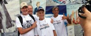 Os pioneiros do surfe Mário Bração, do Rio, Penho e Maraca, de Saquarema e Mário Barcelos (atrás) no evento Lendas do Arpoador