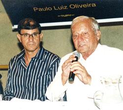 O autor Paulo Luiz Oliveira e o mestre Ivan Cavalcanti Proença.