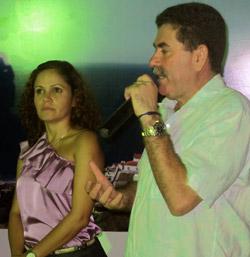 A prefeita Franciane e o deputado  Paulo Melo, presidente da Assembleia Legislativa