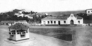 O antigo Centro Histórico com o Convento das Irmãs e o tradicional coreto