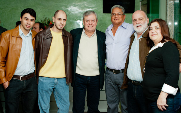 O vice-prefeito Dr. Amílcar confraternizou com Sérgio e seus convidados, na inauguração das novas instalações da SAF Lagos, em Bacaxá