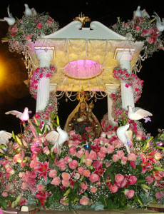 O belíssimo andor de Nossa Senhora de Nazareth. Foto: Paulo Lulo