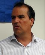 O subsecretário do Ambiente, Luiz Firmino, anuncia a dragagem emergencial e a reforma do molhe da Barra Franca