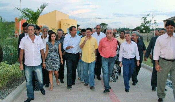 A presença marcante das autoridades na inauguração. (Foto: Edimilson Soares)