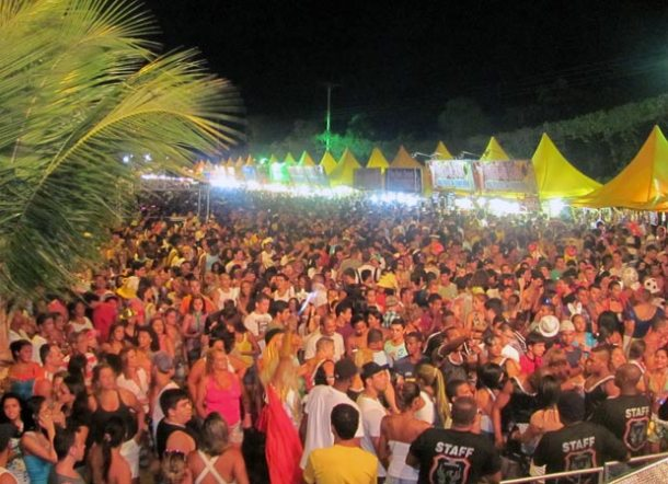 O carnaval baiano na orla da lagoa