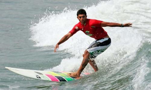 Surfista saquaremense Jeferson Silva é campeão no Huanchaco Longboard no Peru