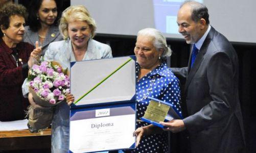 Senado homenageia mulheres com o prêmio Bertha Lutz