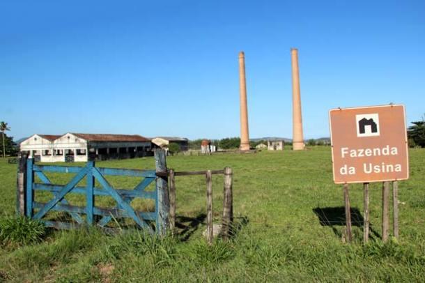 As duas torres nas ruínas da Usina Santa Luzia, um dos maiores empreendimentos que Saquarema já teve, com cerca de 4 mil empregados.