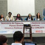 Ao centro, a secretária municipal da Mulher, Rosângela Borges, foi uma das debatedoras do seminário . (Foto: Dulce Tupy)