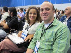 A prefeita de Saquarema Franciane Motta e o secretário municipal de Administração Fernando Reis, no 3o Congresso. (Foto: Dulce Tupy)