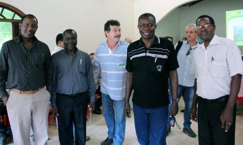 Técnicos da África visitam a microbacia do Rio Roncador