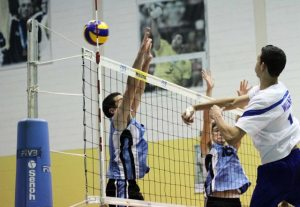 O campeonato Sulamericano Juvenil Masculino está rolando em Saquarema, no Aryzão, o Centro de Desenvolvimento do Voleibol, em Barra Nova. O juvenil feminino, realizado em Lima, Peru, foi uma grande oportunidade para as meninas da Seleção Brasileira, que conquistaram o título do campeonato.