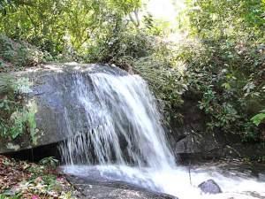 Cachoeira microbacia do Roncador. (Foto: Edimilson Soares)