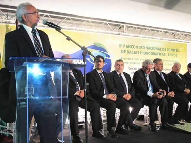 O coordenador do Fórum Nacional de Comitês de Bacia,  Mário Dantas, abriu o XIV ENCOB, em Cuiabá. (Foto: Dulce Tupy)