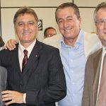 O vereador Chico Peres com o vice Zequinha, o irmão e ex-prefeito Peres e o amigo José Carlos