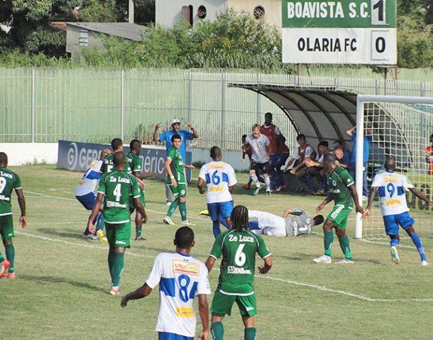 Nos últimos 15 minutos da partida, o Boavista resistiu à intensa pressão do Olaria, que buscava o empate (Paulo Lulo)