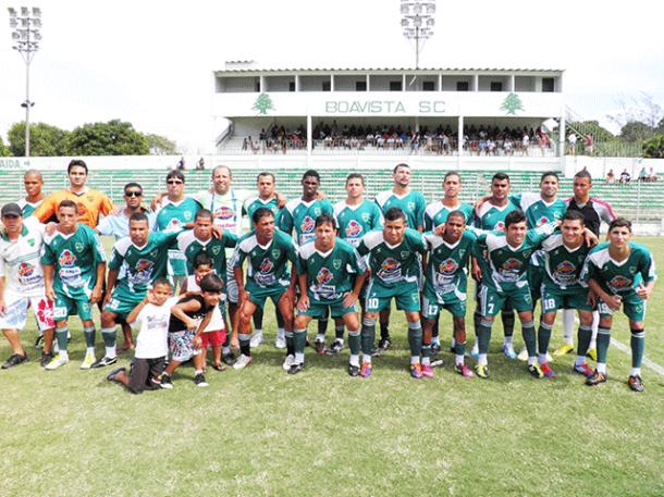Os craques do time vencedor posam para a foto oficial (fotos: Divulgação)