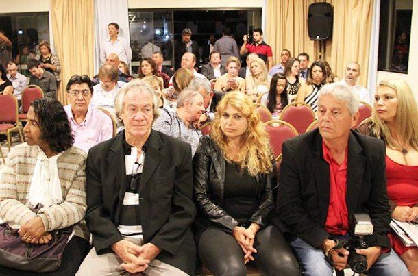 O salão do Rio Búzios Beach Hotel ficou lotado  com os representantes dos jornais do interior (Foto: Edimilson Soares)