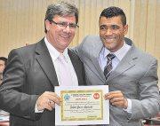 O procurador Dr. Fábio Spinelli  também foi  agraciado por Kilinho em  sessão pelo Dia do Funcionalismo Público