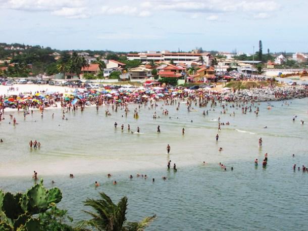 O calor lotou a Barrinha, combinação perfeita com o mar calmo para curtição das famílias (Foto Paulo Lulo)