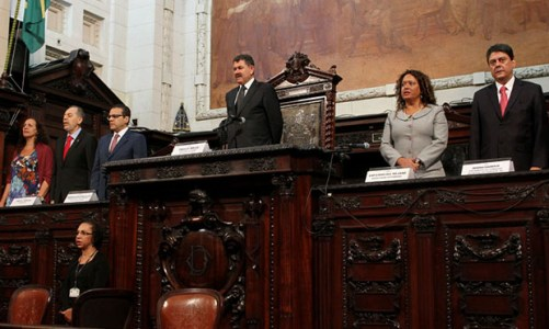 O resgate de parlamentares cassados