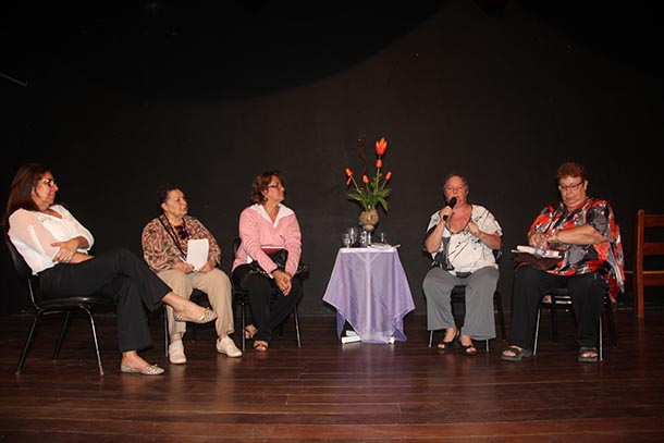 "A ""Roda de Conversa"" sobre o ""Feminicídio"" foi no Teatro Municipal Mário Lago (Fotos: Edimilson Soares)"