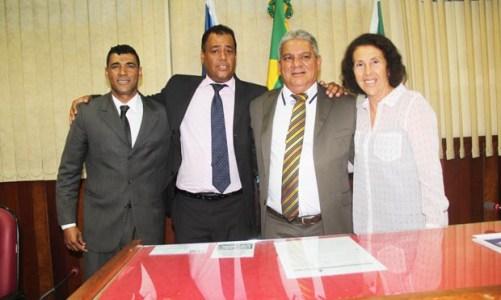 Câmara empossa nova Mesa Diretora e elege Comissões