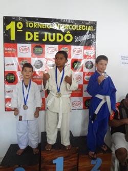 O primeiro pódio dos pequenos atletas no Torneio Intercolegial