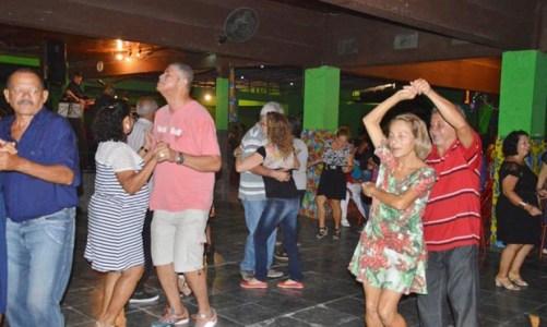 Dançando com vida