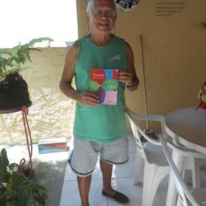 Hugo de Andrade lança o livro Poesias
