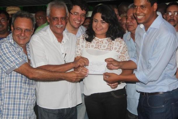 A filiação de Ana Paula ao PSDB, partido presidido em Saquarema por Ayron Borges, irmão do ex-prefeito Dalton