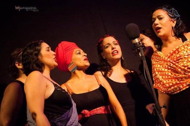 Glauce Pimenta Rosa no show-manifesto das mulheres artistas, no Rio, onde canta e dança (Fotos: Bel Junqueira)