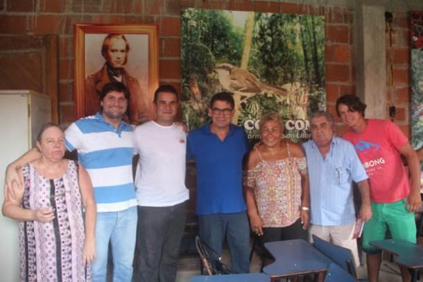 Em Jaconé, o biólogo Carlos Alexandre recepcionou o vice-prefeito Zequinha, o vereador Bruno Pinheiro, a sub-secretária de Cultura Sandra Santana e o ex-vereador Pitico, entre outros convidados (Foto: Edimilson Soares)