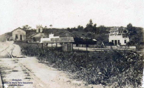 A estação de Bacaxá foi inaugurada em 1913, quando do prolongamento da ferrovia até Araruama. (Arquivo Raízes de Minha Terra Saquarema - Herivelto Bravo Pinheiro)