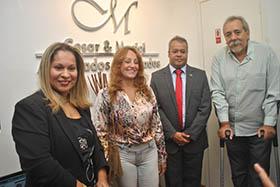Cilda Regina, diretora do Centro Mun. de Educ. Menaldo de Magalhães e o marido Mosqueira na inaguração