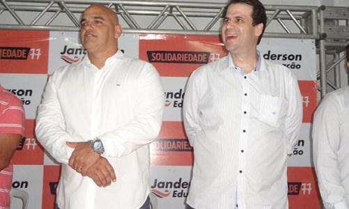 Janderson da Educação reúne evangélicos e deputado Áureo no Podemos