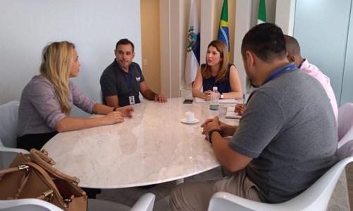 Técnicos do INEA vistoriam Barra Franca, na lagoa de Saquarema