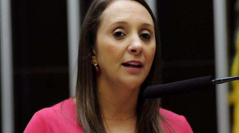 Aprovado PL da Deputada Renata Abreu, que obriga registro de violência contra a mulher, em prontuário médico