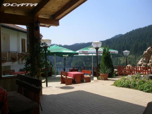 На почивка в Родопите. Хотел-ресторант Тихия кът, град Доспат.