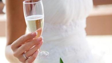 Как да изберем сватбено шампанско. Златно шампанско за сватба