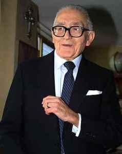 Gabriel Vargas fue reconocido con el Premio Nacional de Ciencias y Artes que le fué otorgado en 1993 por el consejo Nacional para la Cultura y las Artes.