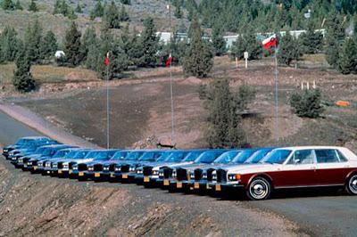 Rolls Royces in front of Lao Tzu