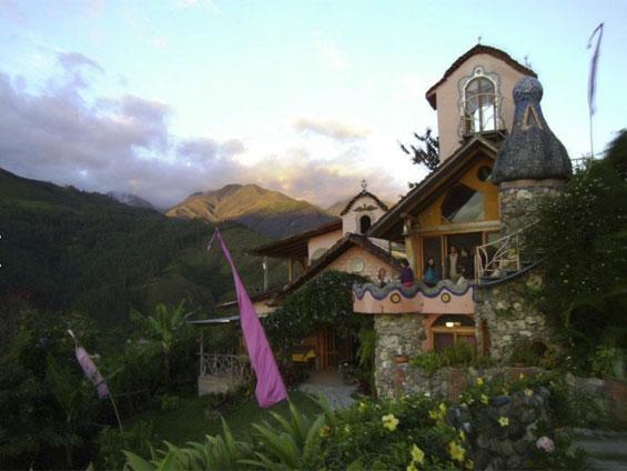 Monte Suenos building
