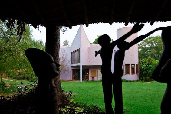 060-Zorba-the-Buddha-Delhi-GAV
