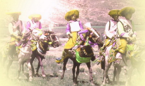 Men on horseback Feat.